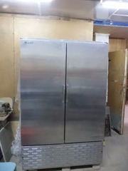 Морозильный шкаф   в рабочем  состоянии  б у